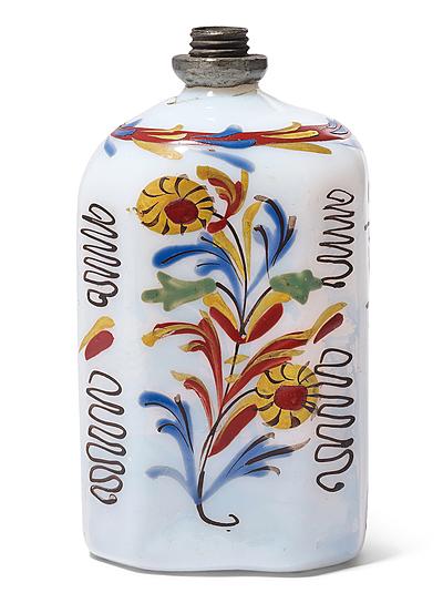 Schuler Auktionen AG - 2 kleine Schnapsflaschen