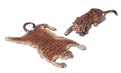 Schuler Auktionen AG - Tierfiguren: Tiger und Tigerfell