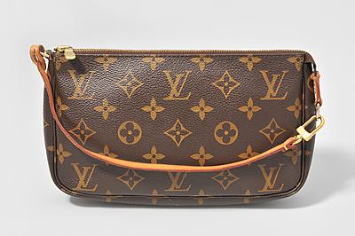 """Schuler Auktionen AG - Louis Vuitton, """"Pochette Accessoires"""""""