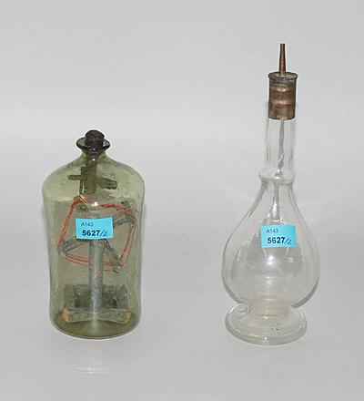 Schuler Auktionen AG - Lot: Flascheneingericht und Flakon