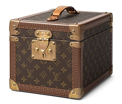 "Schuler Auktionen AG - Louis Vuitton, Beautycase ""Boîte flacons"""