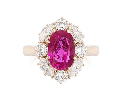 Schuler Auktionen AG - Burmarubin-Diamant-Ring