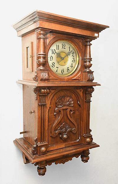 """Schuler Auktionen AG - """"Symphonion""""-Wandautomat mit Uhr"""