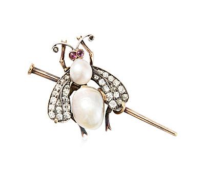 Schuler Auktionen AG - Naturperlen-Diamant-Rubin-Insekten-Brosche