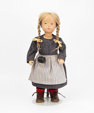"""Schuler Auktionen AG - Sasha Morgenthaler-Puppe """"Ankermädchen"""""""