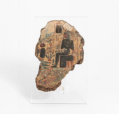 Schuler Auktionen AG - Fragment eines Holzsarkophagdeckels