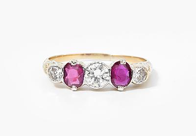 Schuler Auktionen AG - Rubin-Brillant-Ring