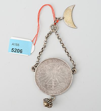 Schuler Auktionen AG - Silbermünze an Anhänger