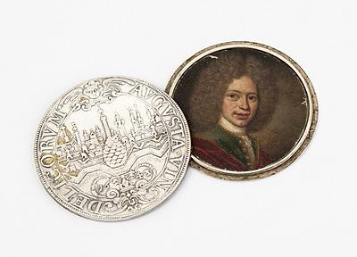 Schuler Auktionen AG - Augsburger Schraubtaler mit Porträtminiatur