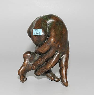 """Schuler Auktionen AG - Figur """"Hand und Fuss"""""""