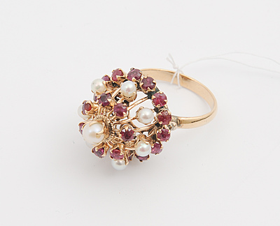 Schuler Auktionen AG - Rubin-Perlen-Ring