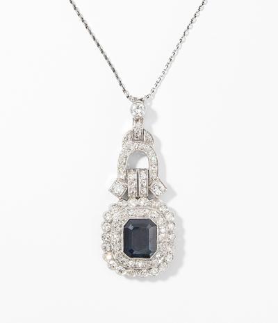 Schuler Auktionen AG - Saphir-Diamant-Anhänger mit Kette