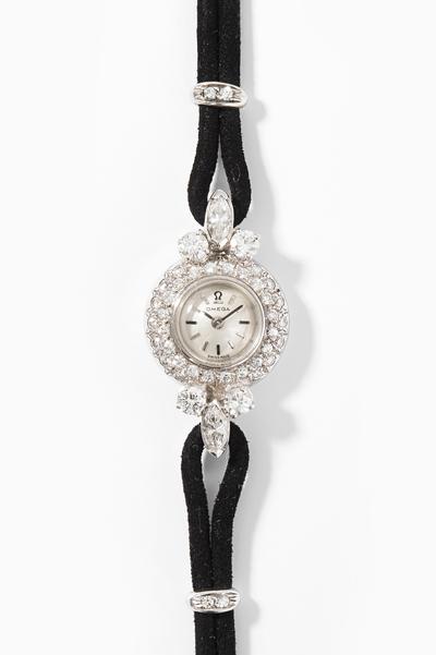 Schuler Auktionen AG - Omega Diamant-Damenarmbanduhr