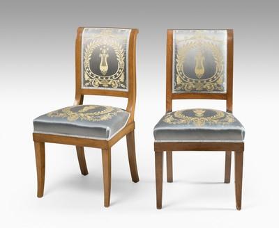 Schuler Auktionen AG - Satz von vier Stühlen