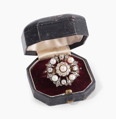 Schuler Auktionen AG - Naturperlen-Diamant-Brosche