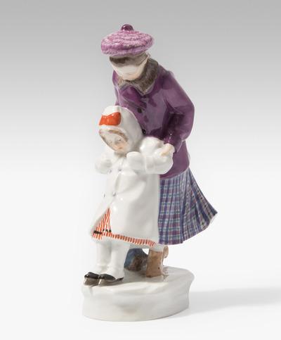 """Schuler Auktionen AG - Meissen, Figur """"Der erste Schlittschuhlauf"""""""